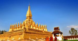 Khám phá kỳ quan chùa vàng nổi tiếng của Lào