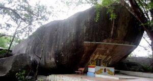 Kỳ bí chùa Hang ở Bảy Núi