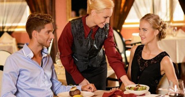 Những hành động tối kỵ tốt nhất đừng mắc khi đi ăn nhà hàng để tránh trở nên bất lịch sự