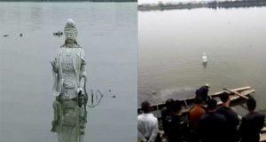 Kỳ lạ bức tượng Quan Âm Bồ Tát bí ẩn đột ngột nổi lên giữa dòng sông